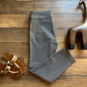 Roz &Ali black and white stretch pants size 10